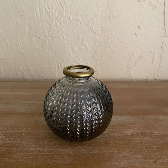⋒ decorative small vase